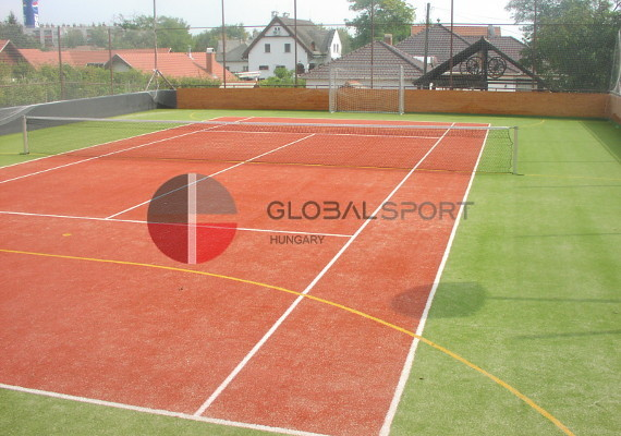 Tennis courts and padel pitches